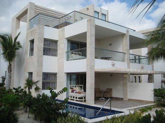 Beloved Playa Mujeres: Beach Front Consita (Hermosa 2)