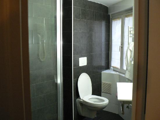 Jeff Hotel- Paris : bathroom