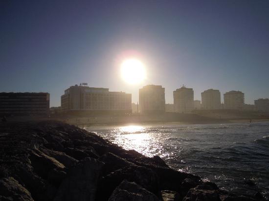 Hotel Praia do Sol : Пляж Коста де Капарика. Восход