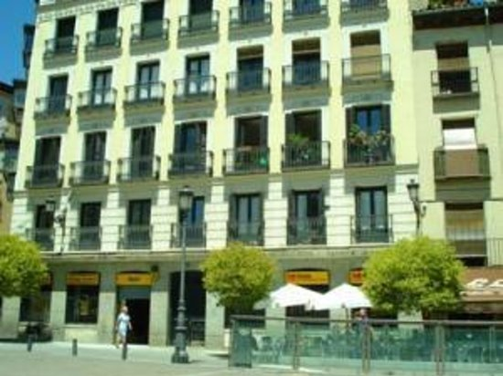 Babylon idiomas madrid for Ibis paseo del prado