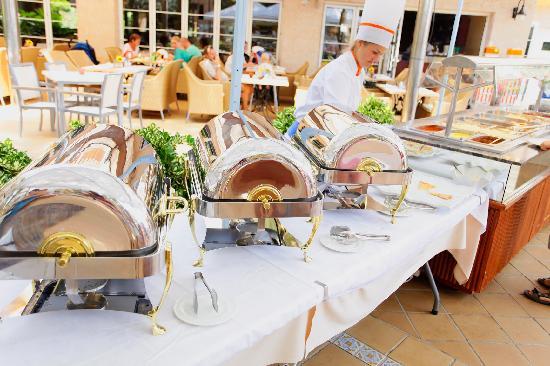 Hotel Viva Bahia: Buffet Terrace