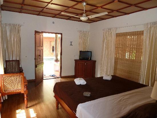 Rajadhani Fifth Season Beach Resort: inside