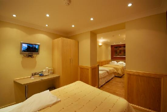 Excelsior Hotel London: Superior Family Rooms