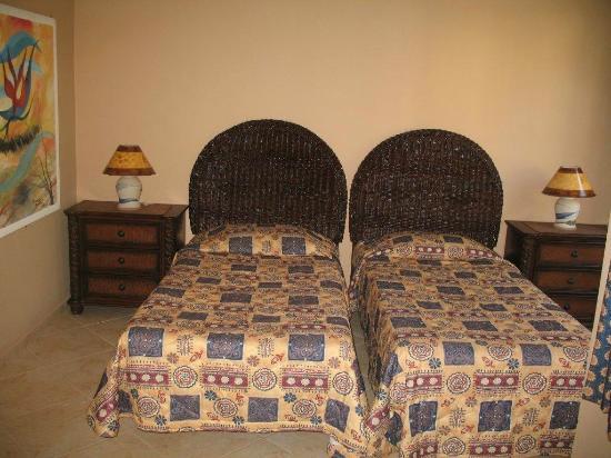 Albatros Condo Hotel : Chambre lits simples