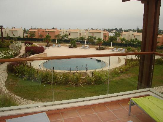 Monte Santo Resort: Piscina privada desde terraza de la villa