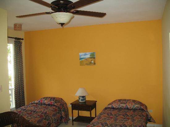 Albatros Condo Hotel: Bedroom