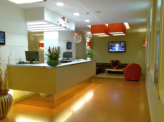 Hotel 77