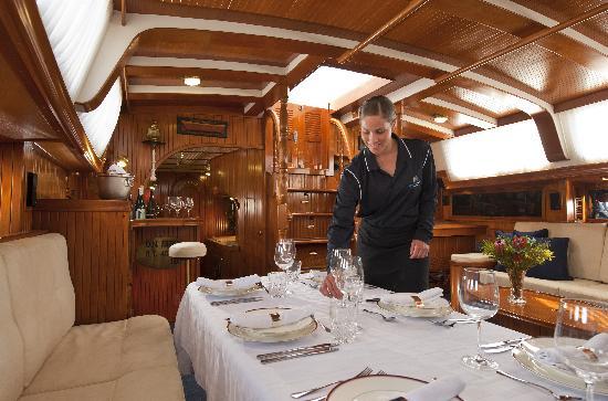 Kangaroo Island Sailing: Inside Dining