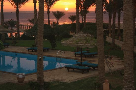 Tamra Beach: L'alba dalla mia camera 7118