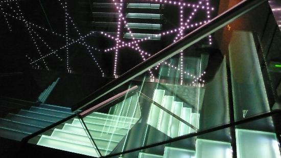 Izkaya Asian Touch Table Restaurant : Izkaya Restaurant Rotterdam Cosmopilitan Interieur Design