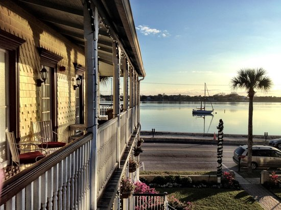 Bayfront Marin House Historic Inn: View from outside our room door.
