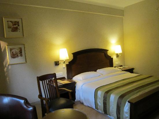 Neelam Hotels - The Glitz Goa: Deluxe Room Bed - On Arrival
