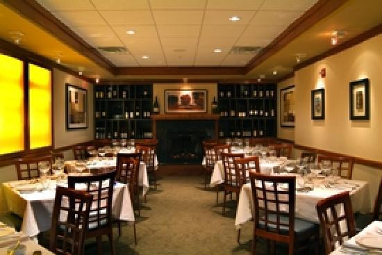 Dine In Style Picture Of Schlesingers Steakhouse Newport News