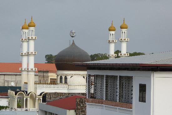 Spanhoek Boutique Hotel: Vanaf het balkon, ingezoomd op de moskee