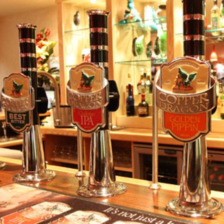 Copper Dragon Bar Bistro: Bar
