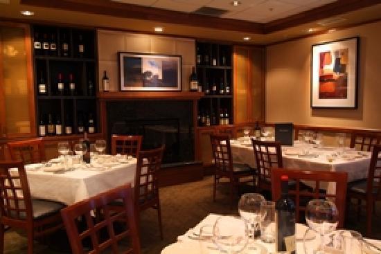 Schlesinger's Steakhouse : Dine In Style