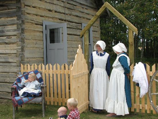 La Crete Mennonite Heritage Village: Old Fashioned Photo Shoot at the Village