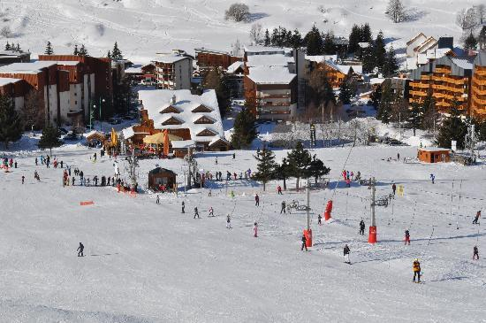 Hotel Cote Brune : Hotel view from up the slope.