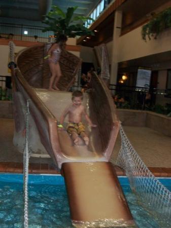 Ramada Sioux Falls Airport Hotel & Suites: Having fun