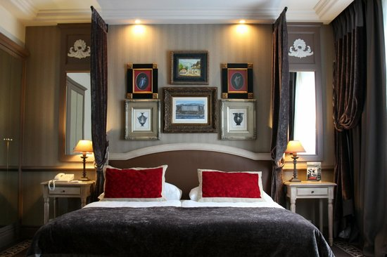 Hotel Royal - Manotel Geneva: Comfy Bed