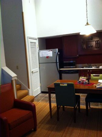 Residence Inn Boise Downtown: Room 822 - kitchen