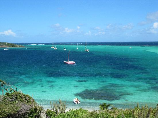 Mopion : View of Tobago Cays from Jamesby
