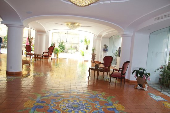 Grand Hotel La Favorita: hotel lobby