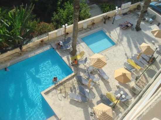 โรงแรมอกาพิเนอร์: Pool Area