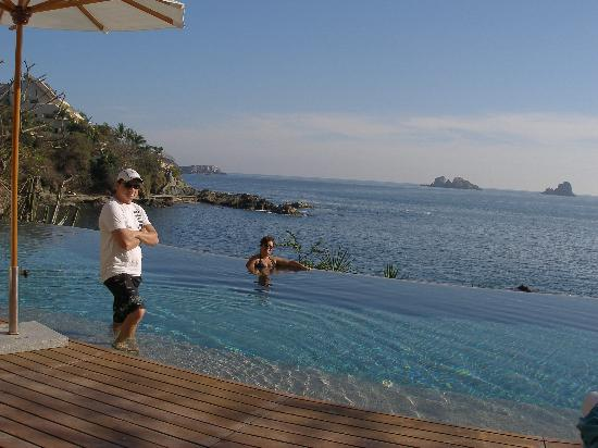 Capella Ixtapa: saltwater pool
