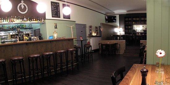 The 10 Best Restaurants Near Maillingerstrasse Station In