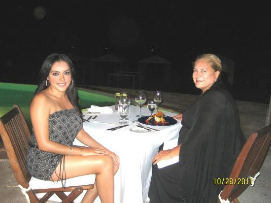 Casa Velas: cenando en el club de playa