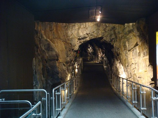 Sudbury, Canadá: The entrance tunnel