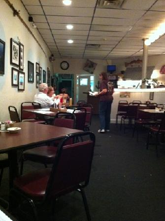 Wink's Old Town Grill: quaint lil place