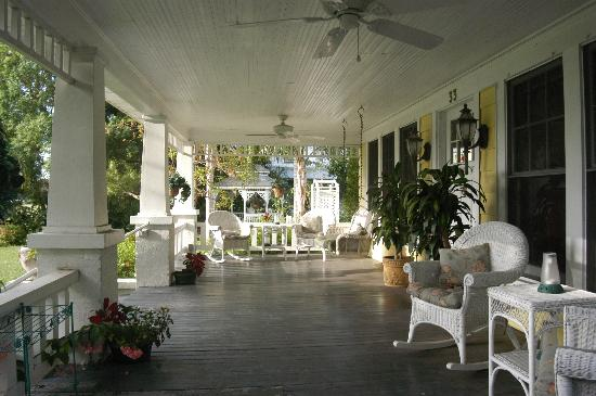Three Oaks Bed and Breakfast: The place for your morning coffee.