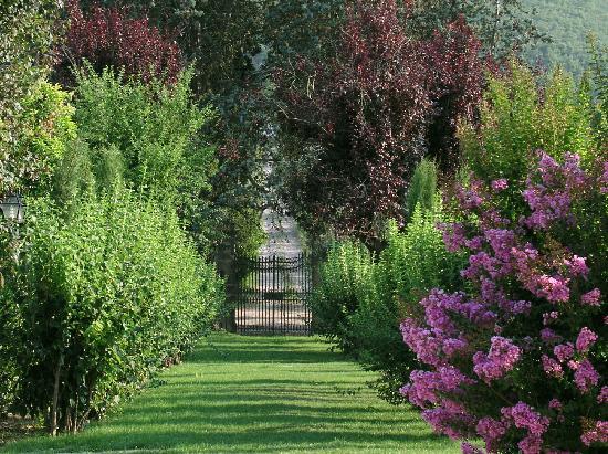 Villa di Piazzano: Villa gardens