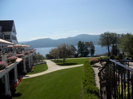 The Sagamore Resort: grounds outside of hotel