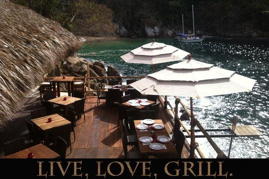 The Deck  kuva Ocean Grill Restaurant & Beach Club, Puerto Vallarta  T