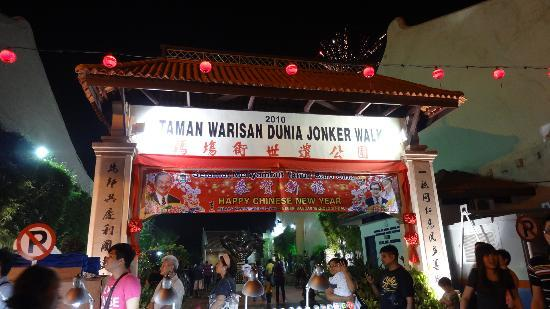Hoya Jonker Guest House : It's just steps away to get to busy Jonker Walk.