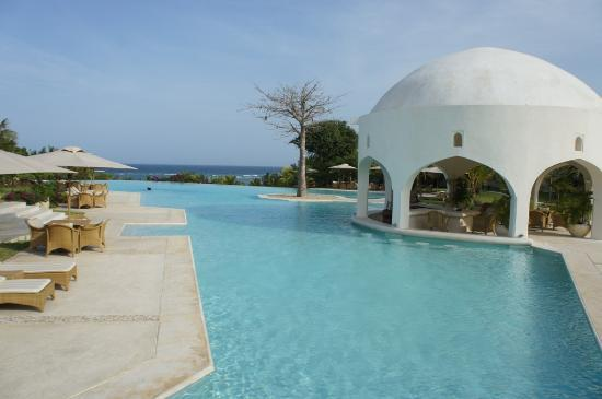 Swahili Beach Resort: Upper pool and the Pool Bar