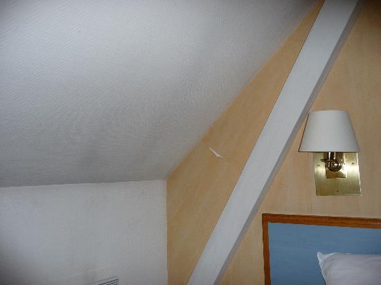 Comfort Hotel Place du Tertre: u4uo5@mail.ru