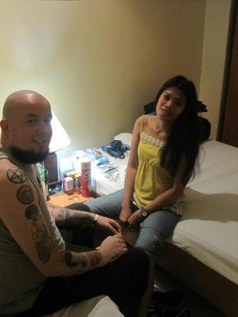 Gran Prix Hotel and Suites Manila: In our room