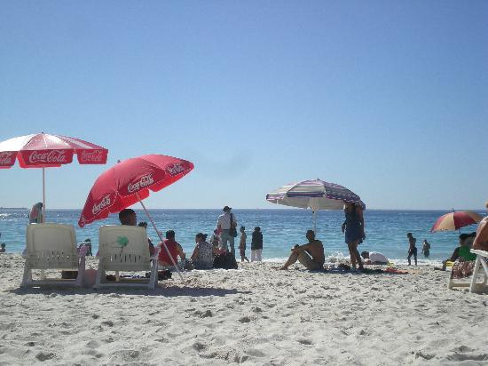 Camp's Bay Beach: Another summer day