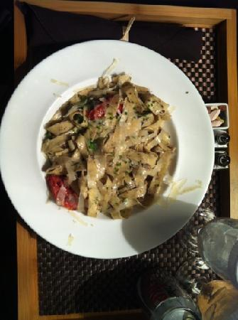 Hotel Arista at CityGate Centre: In Room Dining: Fresh Pasta $18, Diet Coke $5