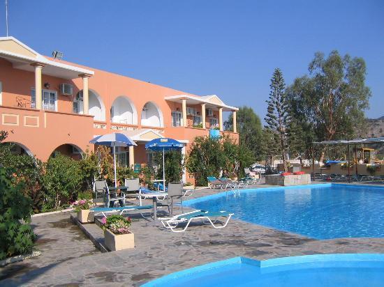 Georgioupolis Beach Hotel: bassengområdet på hotellet