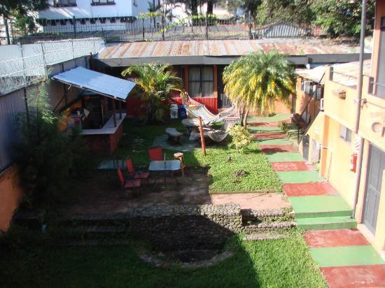 Molino Rojo Hostel: Área externa