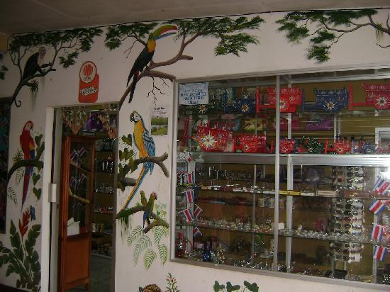 Hotel Chirripo: Tienda de Souvernirs