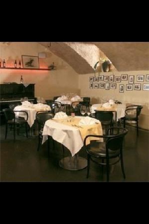 Rossli Bar & Grillboutique: Restaurant Rössli Gewölbe