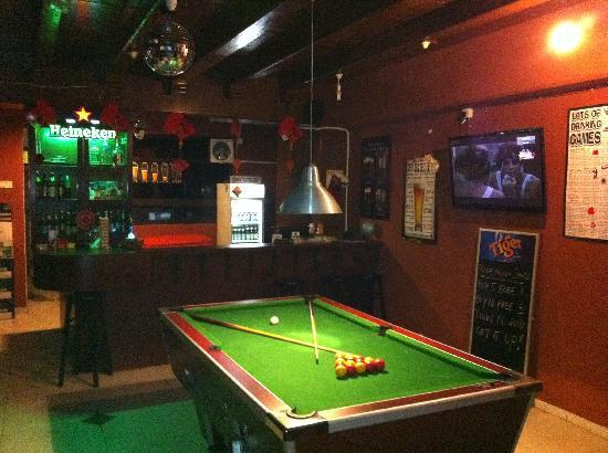 Marvelous Bucket Bar: Pool Table And Bar