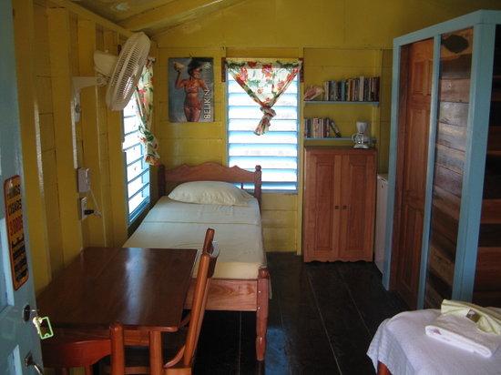 Colinda Cabanas: TYPICAL CABANA
