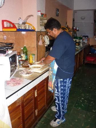 La bodeguita del centro: El Chef cocinando.